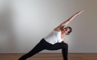 One pose, two methods: Parshva Konasana (Side Angle Pose)
